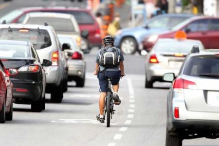 fietsen in verkeer