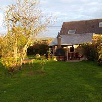 Huis te koop in de Bourgogne! vrij en rustig gelegen en toch vlakbij dorp met alle voorzieningen